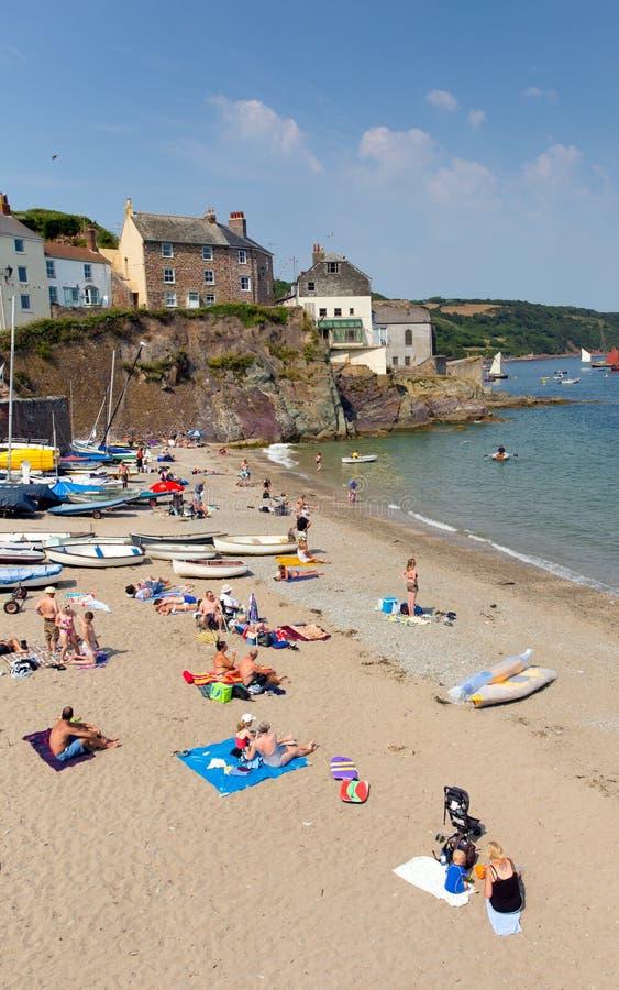 Playa Cornualles Inglaterra Reino Unido de Cawsand en la península de Rame que pasa por alto el sonido de Plymouth