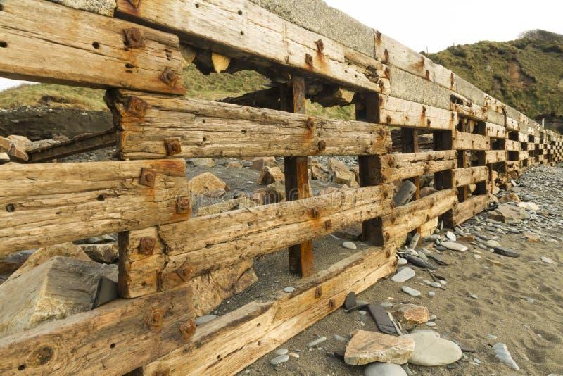 Download Playa De Aberiddy, Restos De Las Defensas De Mar Foto de archivo - Imagen de restos, guijarro: 42433394