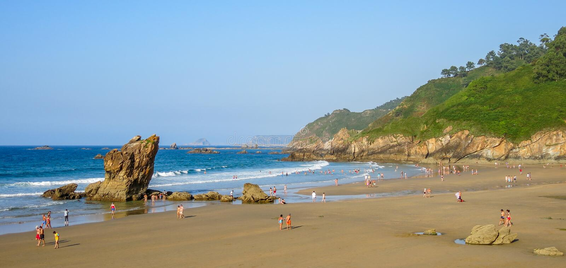 Playa DE Aguilar dichtbij Muros DE Nalon, Asturias, noordelijk Spanje royalty-vrije stock foto