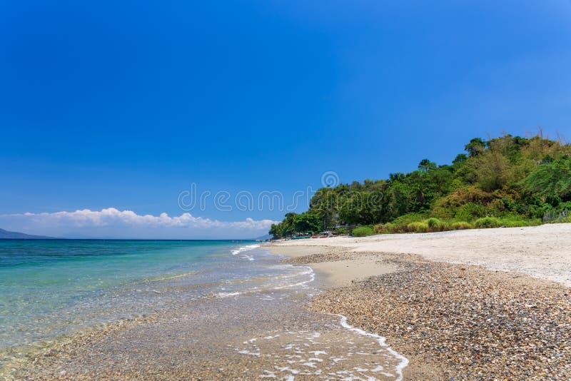 Playa de Aninuan, Puerto Galera, Mindoro oriental en las Filipinas, opinión del paisaje imágenes de archivo libres de regalías