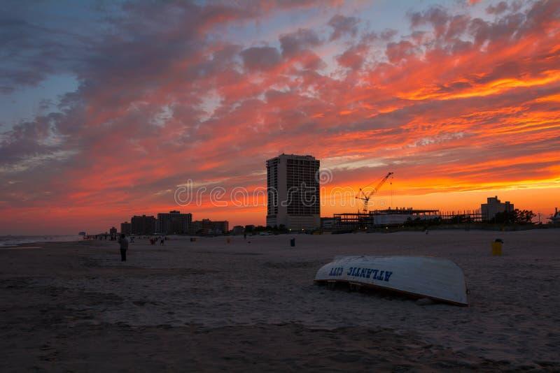 Playa de Atlantic City de la puesta del sol imágenes de archivo libres de regalías