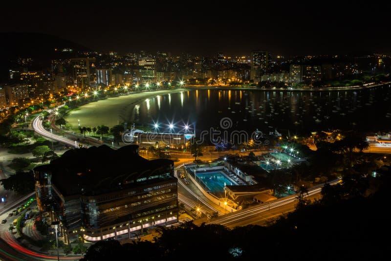 Playa de Botafogo en Rio de Janeiro, el Brasil, noche, visión aérea foto de archivo