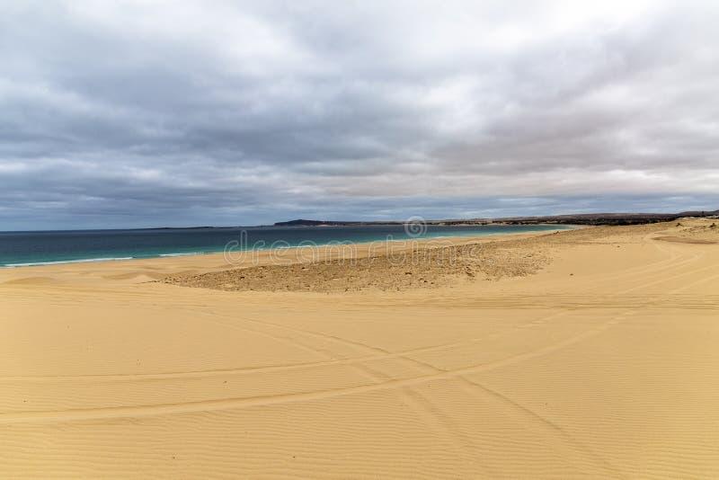 Playa de Chaves en verde de la ceja del vista de la boa fotografía de archivo