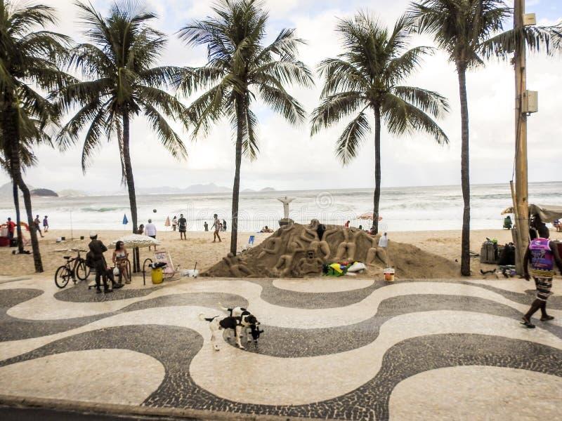 Playa de Copacobana en Rio de Janerio, el Brasil imagen de archivo