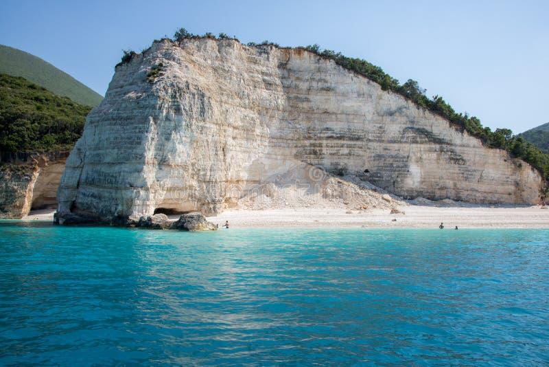 Playa de Fteri en la isla Cephalonia Kefalonia en Grecia imagenes de archivo