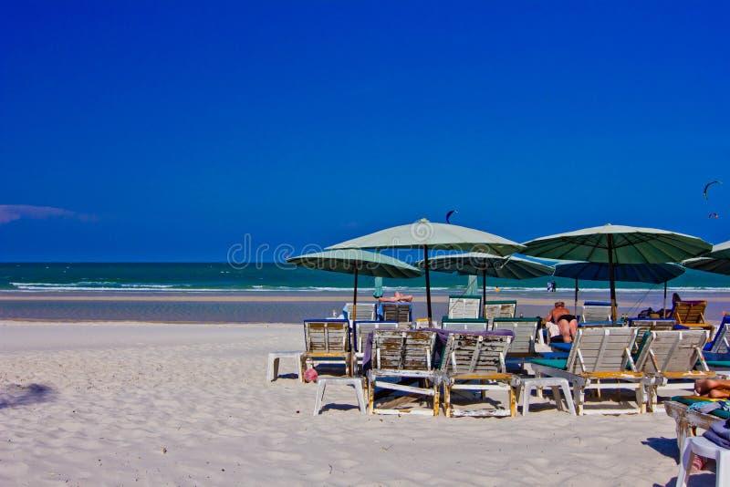 Download Playa de Hua Hin imagen de archivo. Imagen de tropical - 42439095