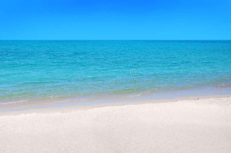 Playa de Koh Samui con la arena blanca foto de archivo libre de regalías