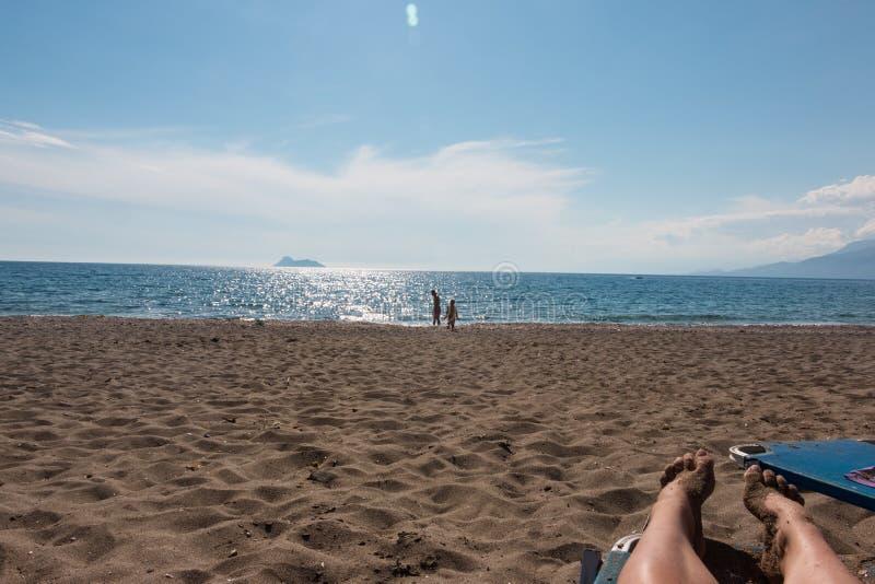 Playa de Komos fotos de archivo