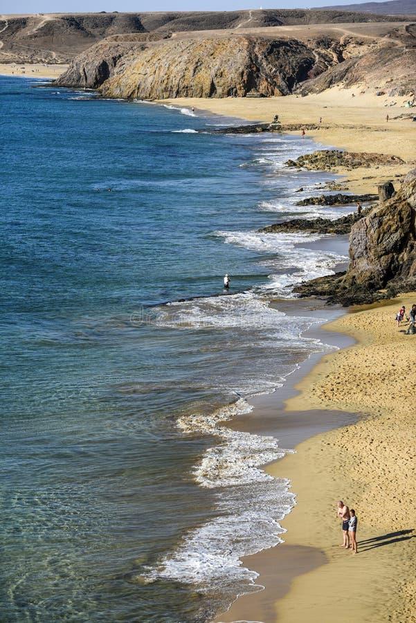 Playa de la Cera, ein sandiger Strand vor der Küste von Lanzarote, stockfotos