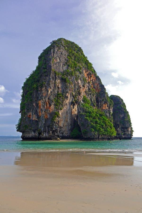 Playa de la cueva de Phranang, Tailandia foto de archivo libre de regalías