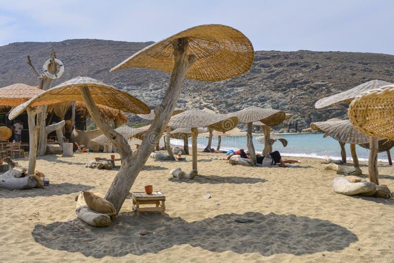 Playa de la isla de Tinos imagen de archivo libre de regalías