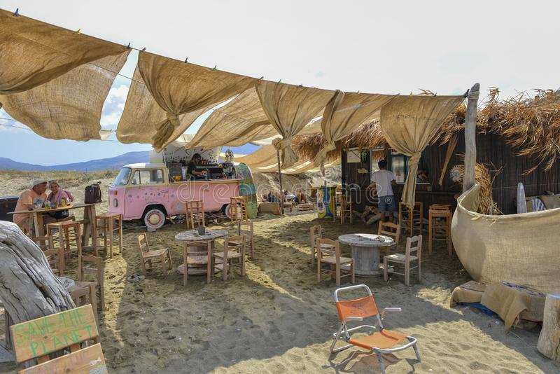 Playa de la isla de Tinos fotos de archivo