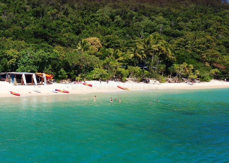 Playa de la tubería de la isla de Fitzroy imágenes de archivo libres de regalías