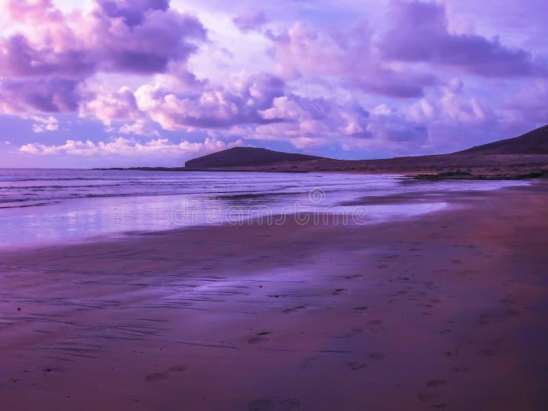 Playa De-las Amerika violett stockfotografie