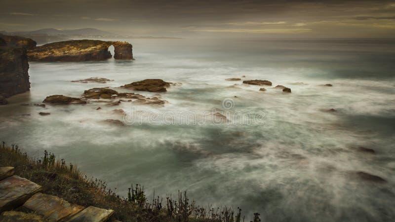 Download Playa de Las Catedrales stockbild. Bild von  - 27728303