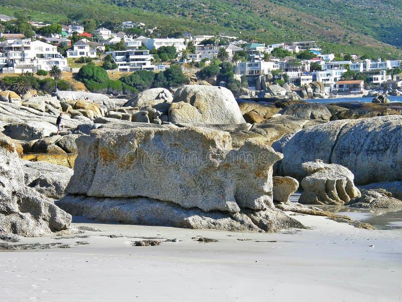 Playa de las rocas, bahía de los campos, Cape Town, Suráfrica imagen de archivo libre de regalías