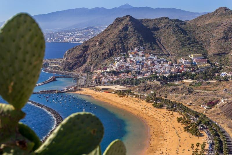 Playa DE Las Teresitas dichtbij Santa Cruz de Tenerife stock foto's