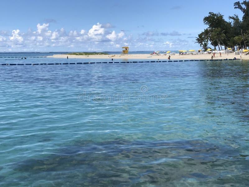 Playa de Madagaha en la opinión de Saipán los E.E.U.U. foto de archivo libre de regalías