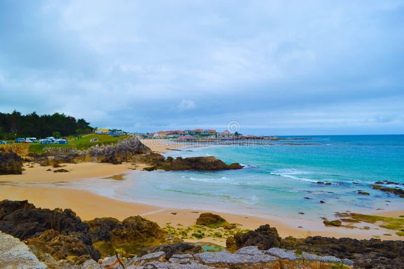 Playa de Meron de la playa de Meron en San Vicente de la Barquera, canto fotografía de archivo libre de regalías