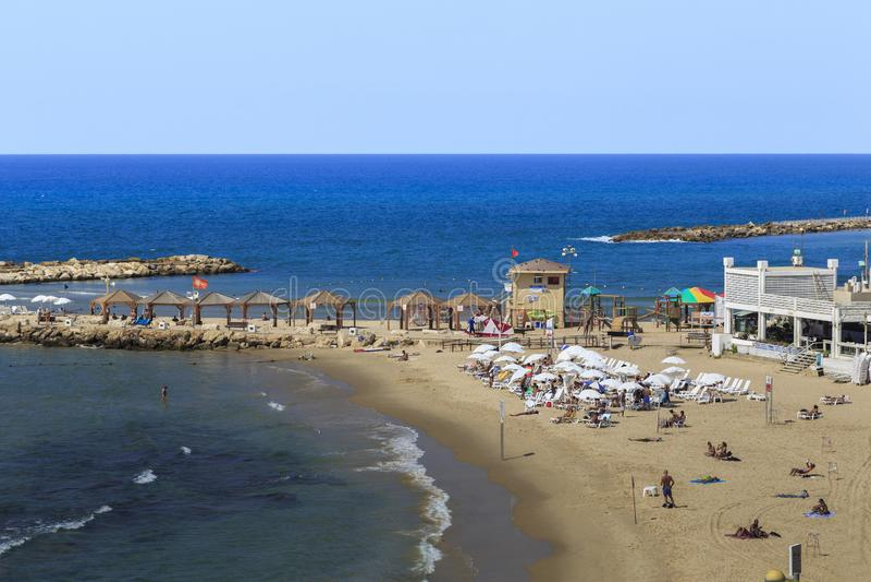 Playa de Metsitsim, Tel Aviv imagen de archivo