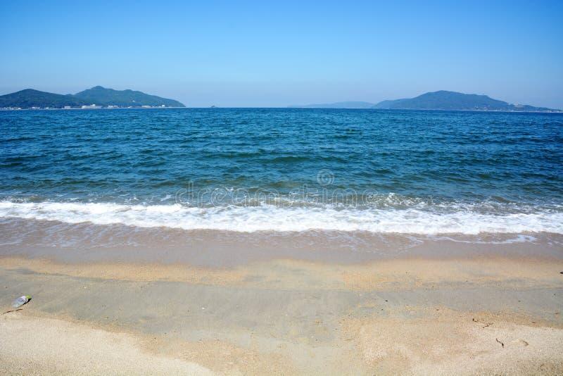 Playa de octubre del japonés/playa de Fukuok Ikinomathubara fotos de archivo