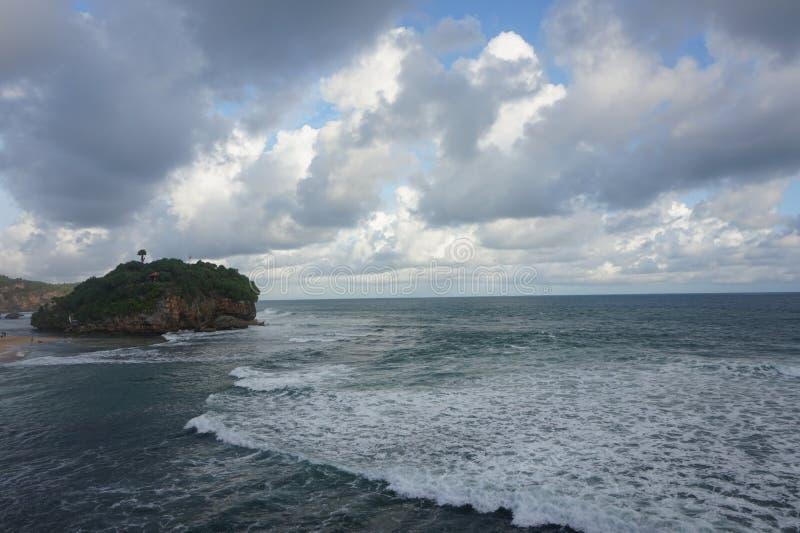 Playa de Pandawa en la tarde imagen de archivo libre de regalías