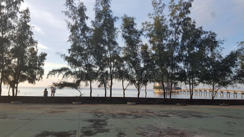 Playa de Phan Thiet por la mañana imagenes de archivo
