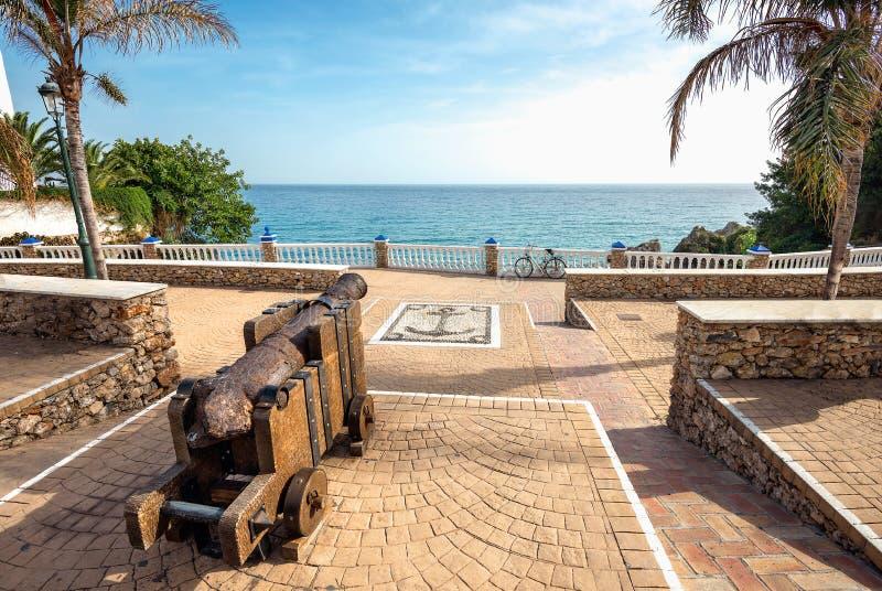 Playa de Playa Carabeillo en Nerja Balcón del ` s de Europa, provin de Málaga fotografía de archivo libre de regalías