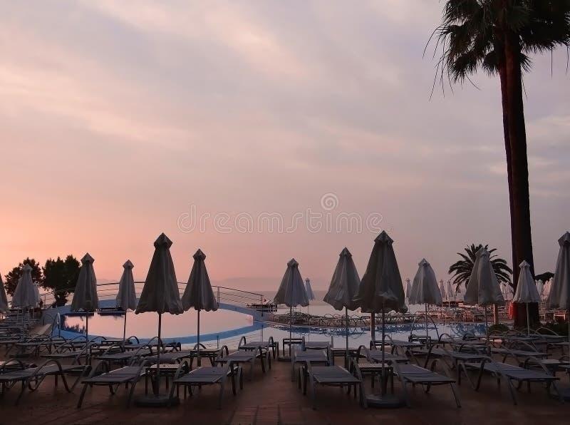 Playa de Rodas después de la puesta del sol imagen de archivo