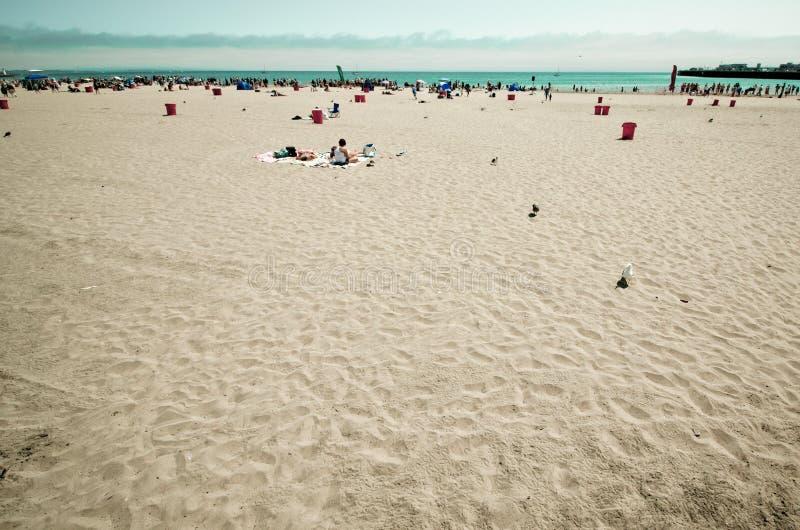 Playa de Sandy en Santa Cruz California en un día de verano fotografía de archivo