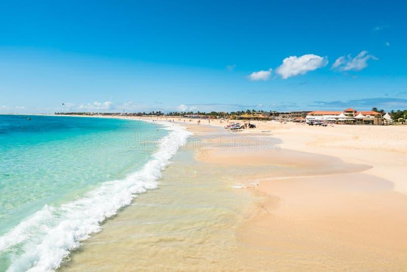 Playa de Santa Maria en la sal Cabo Verde - Cabo Verde foto de archivo libre de regalías