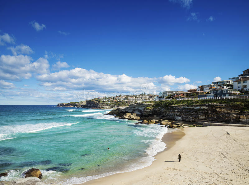Playa de Tamarama cerca del bondi en la costa de Sydney Australia imagen de archivo