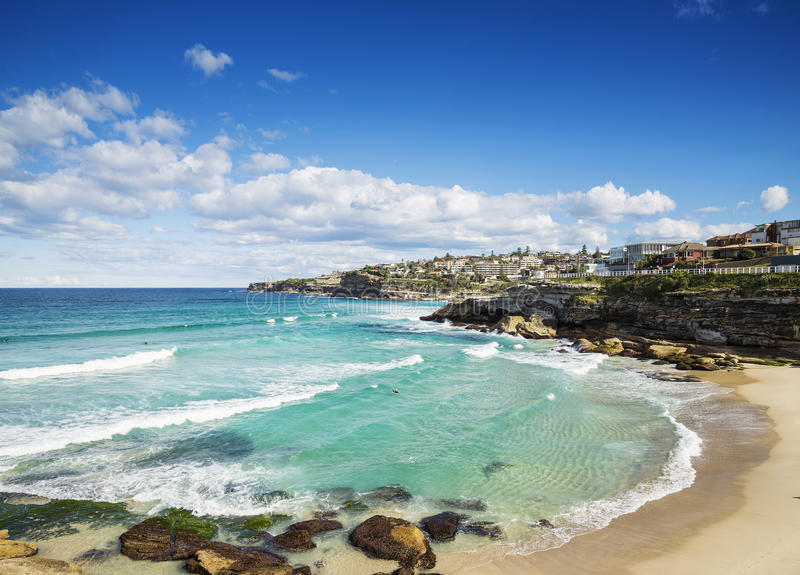 Playa de Tamarama cerca del bondi en Sydney Australia imagen de archivo