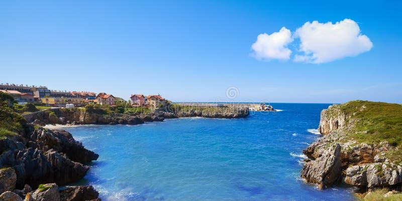 Playa de Toro plaża w Llanes Asturias Hiszpania obraz royalty free