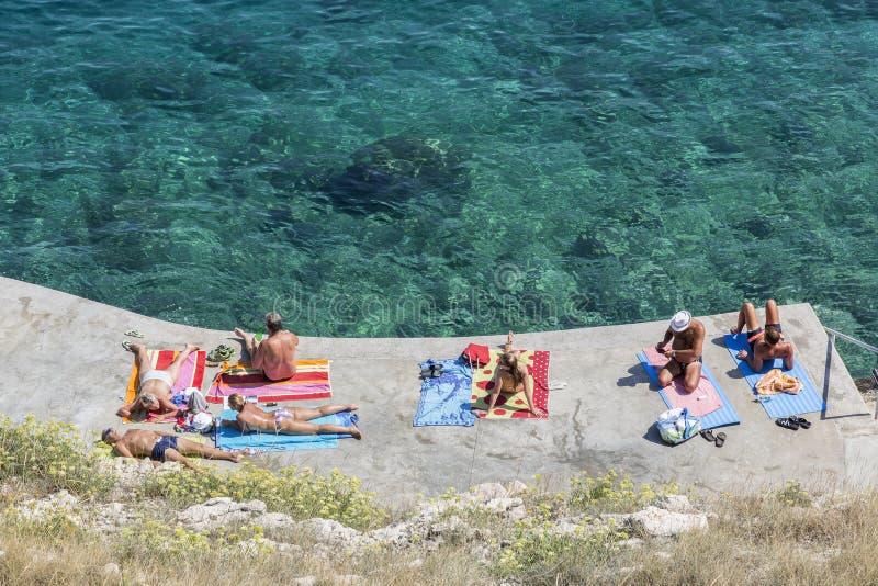 Playa de Vrbnik, mar adriático fotos de archivo