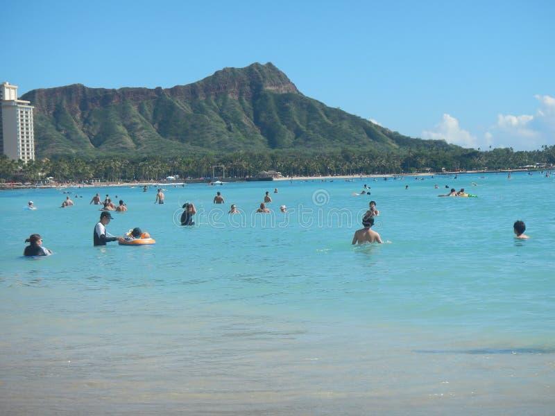 Playa de Waikiki en Honolulu, los E.E.U.U. imagenes de archivo