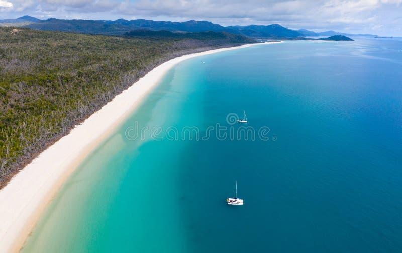 Playa de Whitehaven - isla Nort Queensland del norte Australia del Pentecostés imagenes de archivo