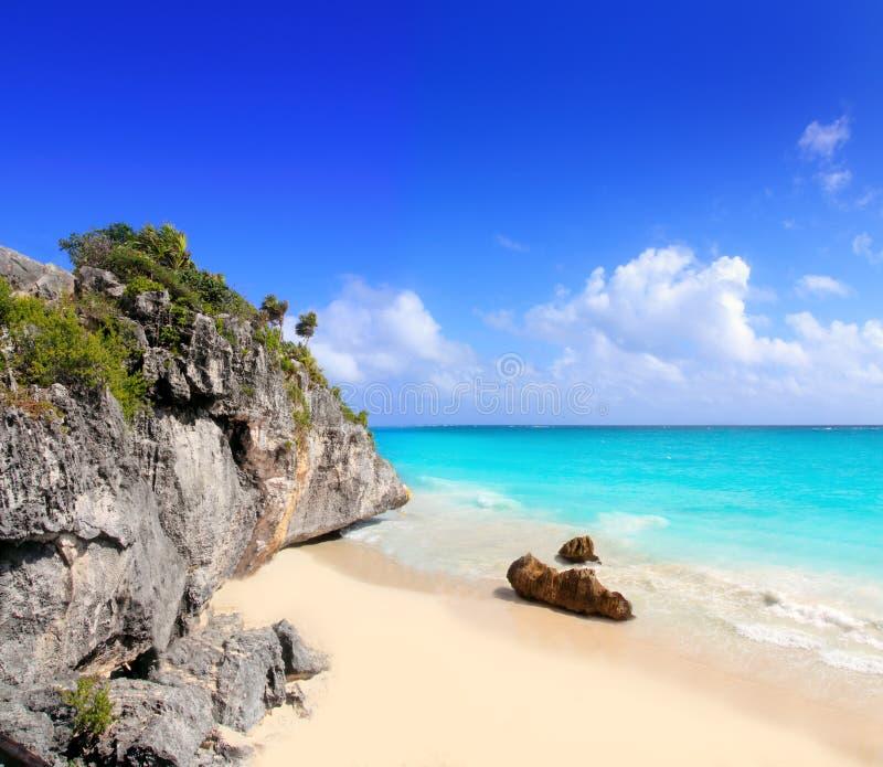 Playa del Caribe en Tulum México bajo ruinas mayas fotografía de archivo
