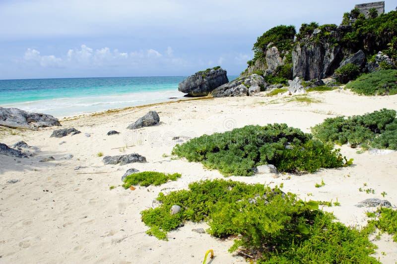 Playa del Caribe y ruinas foto de archivo libre de regalías