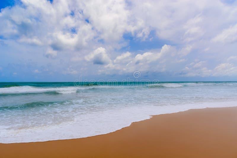 Playa del mar en Sunny Daylight fotos de archivo