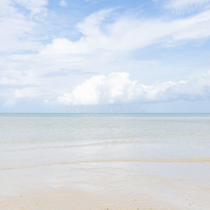 Playa del mar y de la arena imagenes de archivo