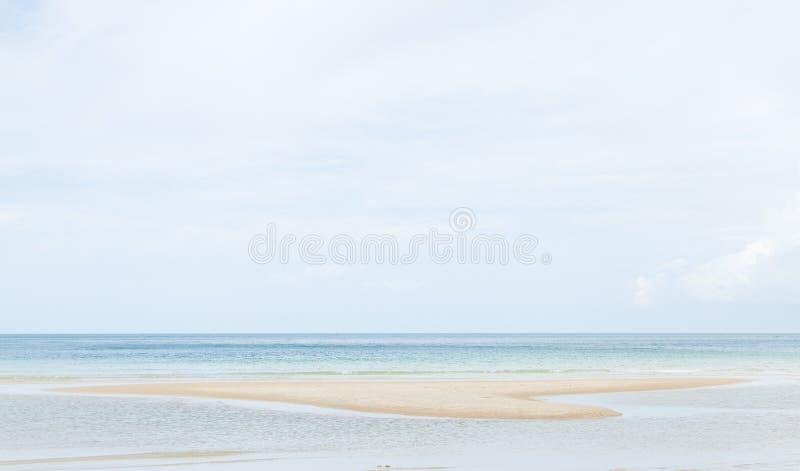Playa del mar y de la arena imagen de archivo