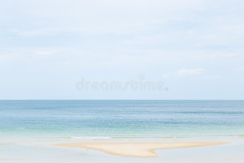 Playa del mar y de la arena fotografía de archivo libre de regalías