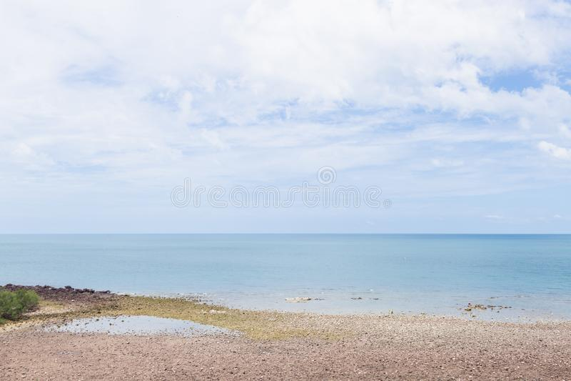 Playa del mar y de la arena foto de archivo libre de regalías