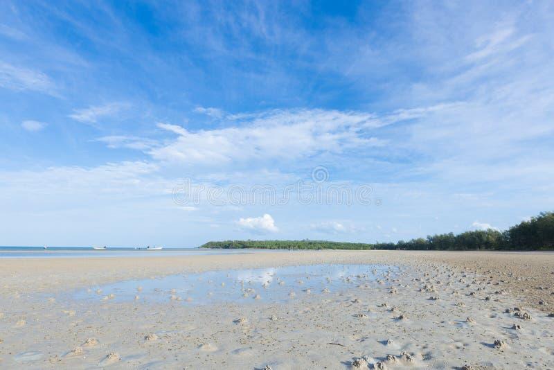 Playa del mar y de la arena fotos de archivo libres de regalías
