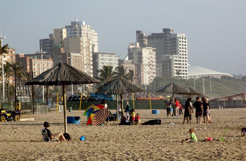 Playa del norte frente al mar en Durban Suráfrica imagen de archivo libre de regalías