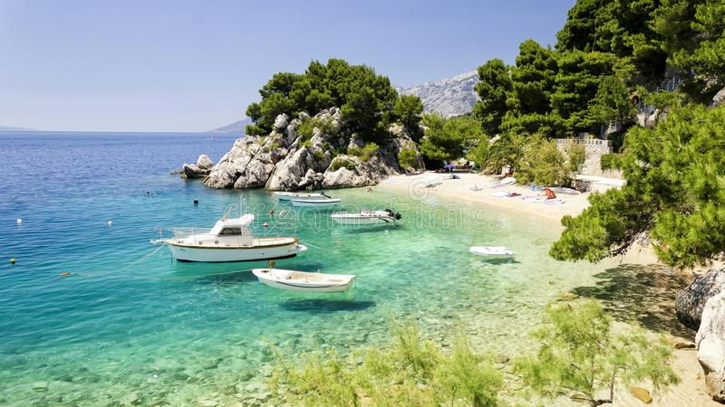 Playa en Dalmacia, Croacia imágenes de archivo libres de regalías