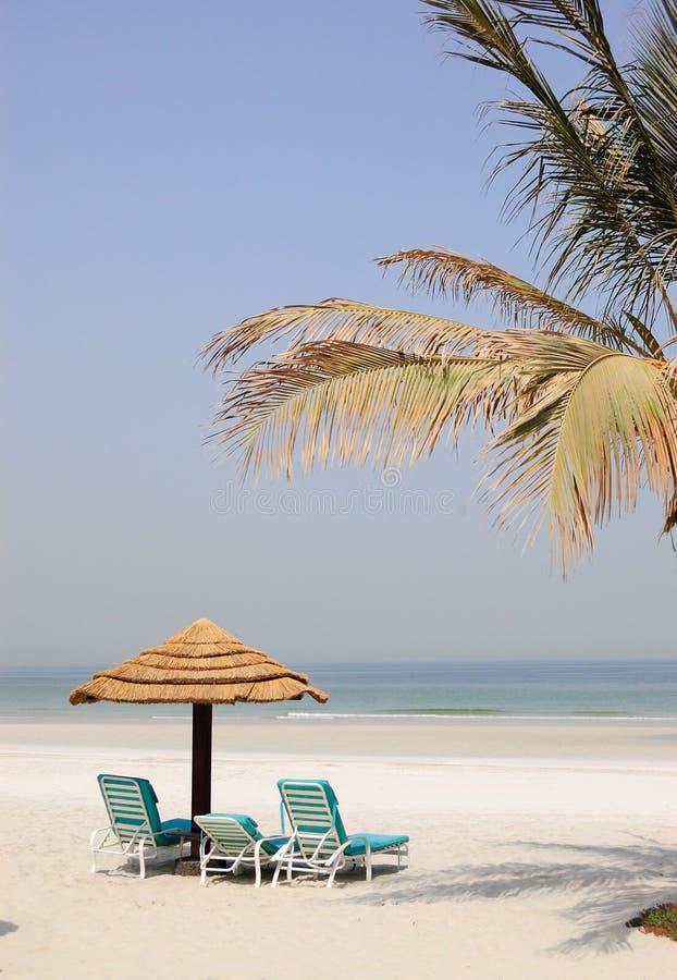 Playa en el centro turístico popular, UAE fotografía de archivo libre de regalías