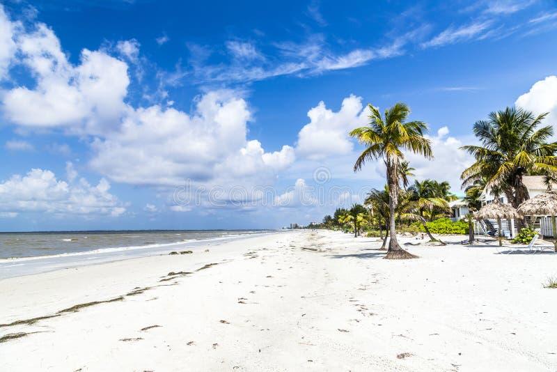 Playa en fuerte Myers en América imágenes de archivo libres de regalías