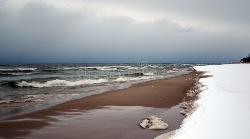 Playa en invierno fotos de archivo libres de regalías